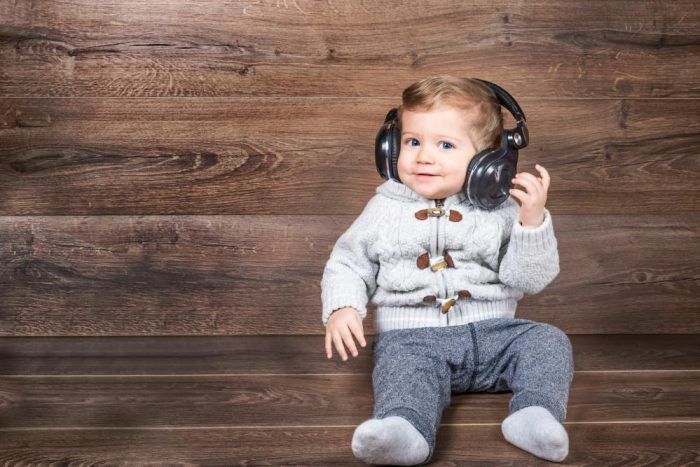 baby-boy-listen-music-with-headphones